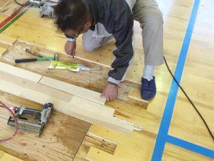 体育館・段差に伴う床金具天蓋改修工事