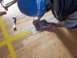 バドミントン用床金具破損に伴う天蓋交換工事事例