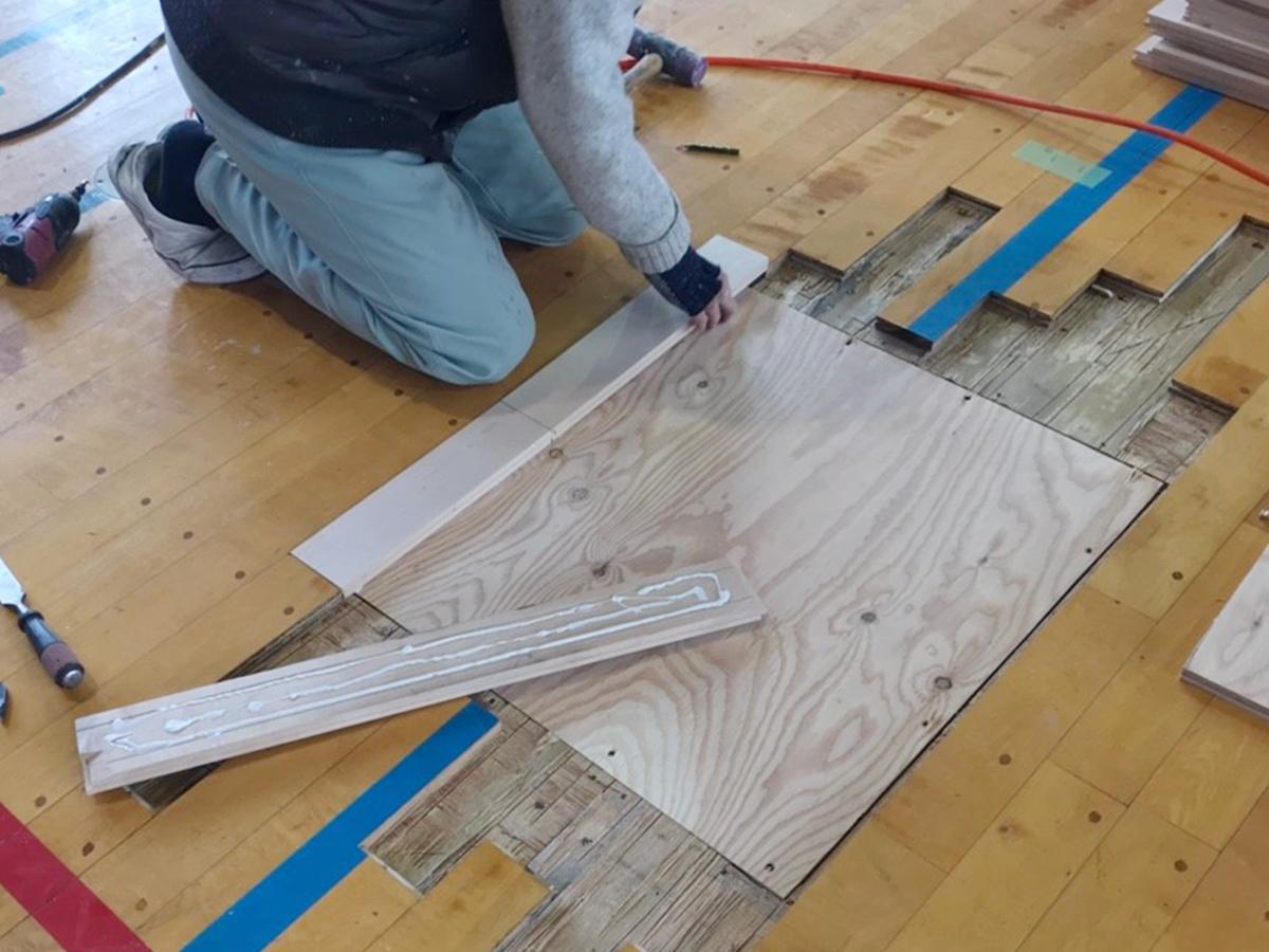 体育館バレーボール用床金具新規設置