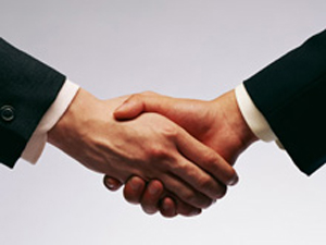 弊社では提携業者さま・協力会社さまと共に発展していきたいと考えています