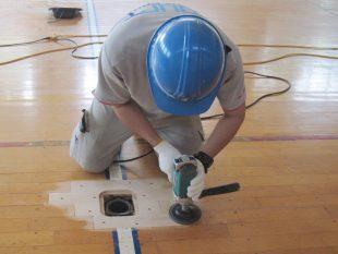 中学校体育館バレーボール用床金具天蓋撤去交換施工