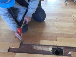 床金具天板交換及びフローリング張替え、スポーツフロア研磨塗装工事