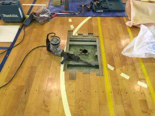 体育館バレー用床金具交換