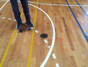 体育館バレー用床金具交換施工前