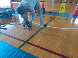 高校体育館バレーボール用床器具、交換施工