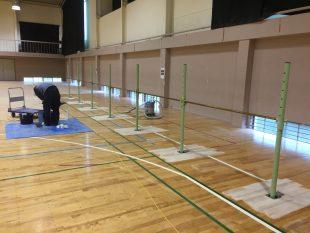 低鉄棒床金具施工の様子