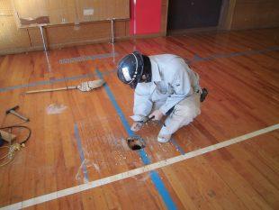 床金具廻り既存スポーツフロア撤去及び新規設置、床金具天蓋交換施工