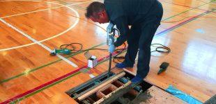 運動競技用床金具及び支柱交換